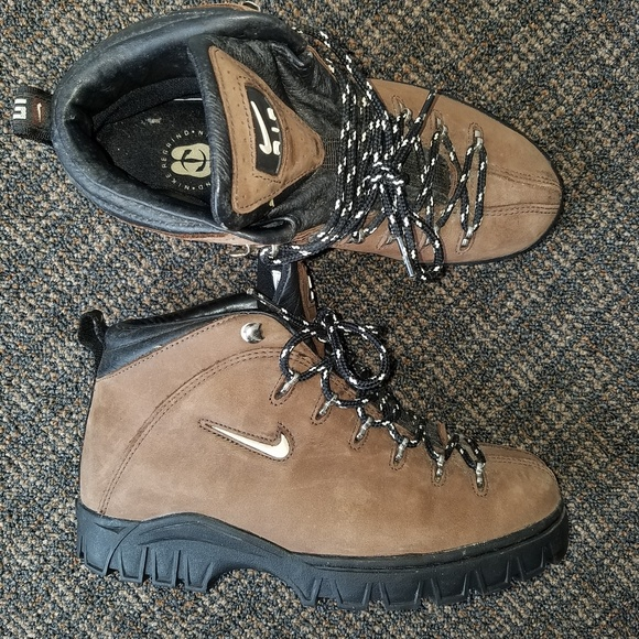 c2b3149c064 RARE Vintage Nike Air Regrind ACG Ankle Boots 90s